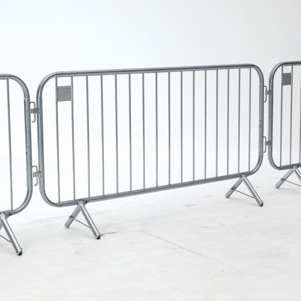 crowd-control-barriers